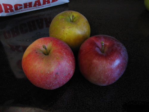 apples_triangle.jpg