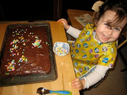 Phoebe proclaims the cake decorating to be done.
