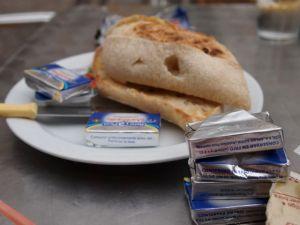 A Spanish toast: una tostada con mantequilla y marmelada